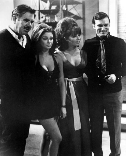 russ-meyer_-cynthia-myers_-dolly-reed-_amp_-scumbag-hugh-hefner-_1970_