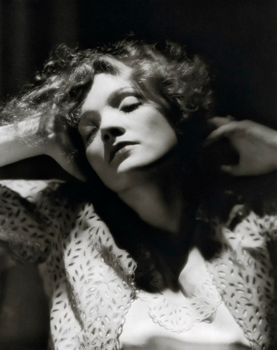 Annex - Dietrich, Marlene (Morocco)_03